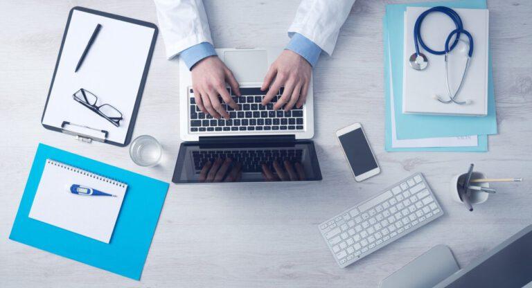 Doktor u počítače