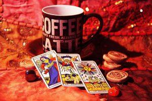 Káva a hrací karty