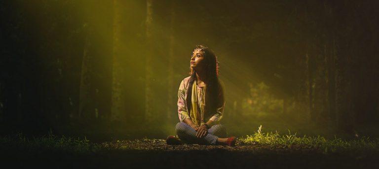 Žena v lese